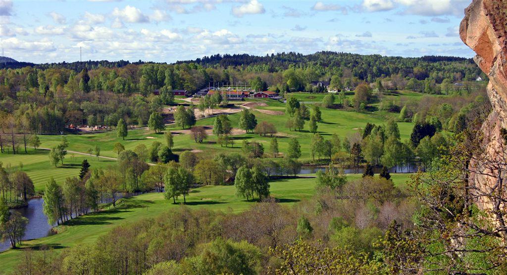 Panoramabild mot klubbhuset
